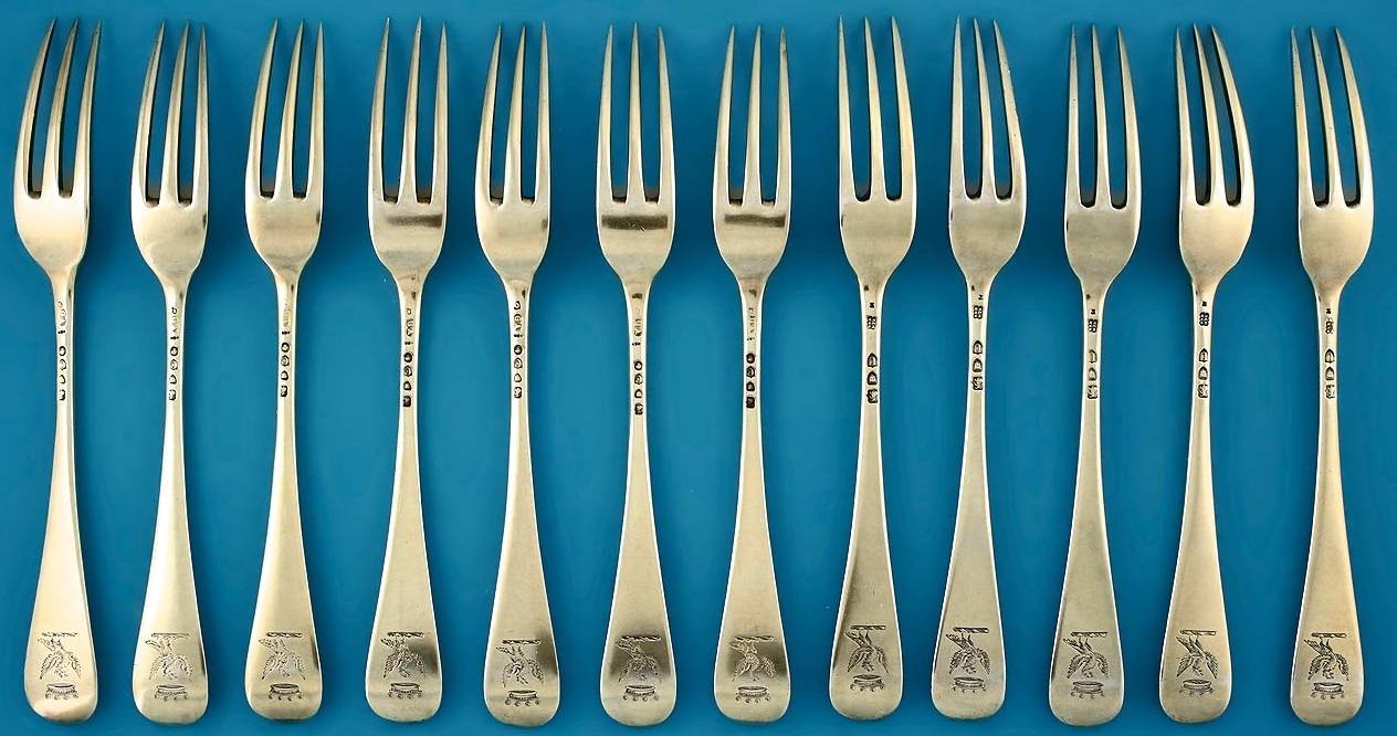 Victorian_Silver-Gilt_Dessert_Set_for_12_forks_1450w